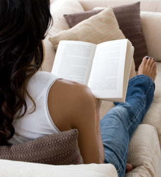 What I call a relaxing weekend (couch and book):-)